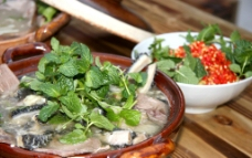 小米辣牛肉汤锅图片