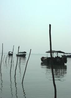 大海 渔船图片