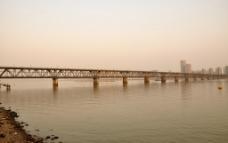 夕阳下的钱江一桥图片