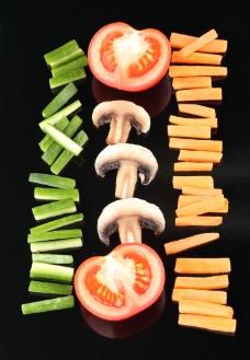西红柿 蘑菇 胡萝卜 黄瓜图片