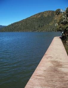 静静的湖图片