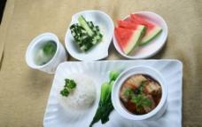 东南亚套餐肉骨茶图片