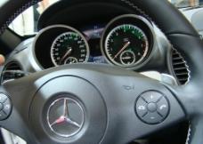 汽车方向盘图片
