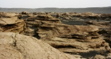 新疆托克逊风化地貌魔鬼城图片