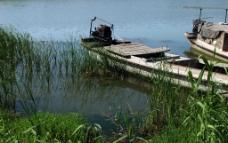 静静的湖水图片