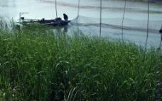 放渔网图片