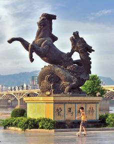 城市雕塑图片