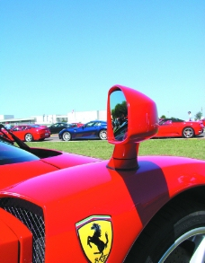 法拉利赛车图片
