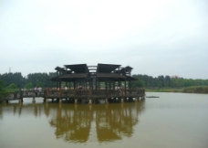 湖中亭廊图片