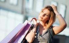 时尚美女购物图图片