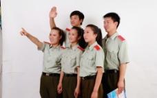 大学生五人组合照图片